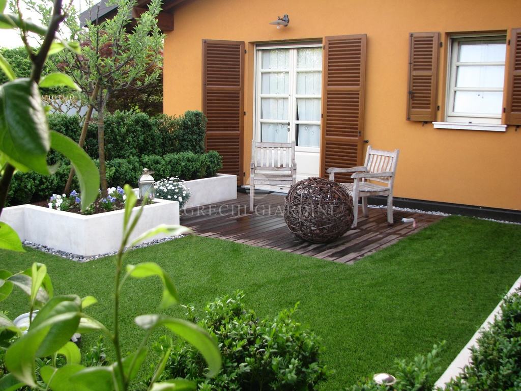 Grechi giardini realizzazione giardini biolaghi - Giardino interno casa ...
