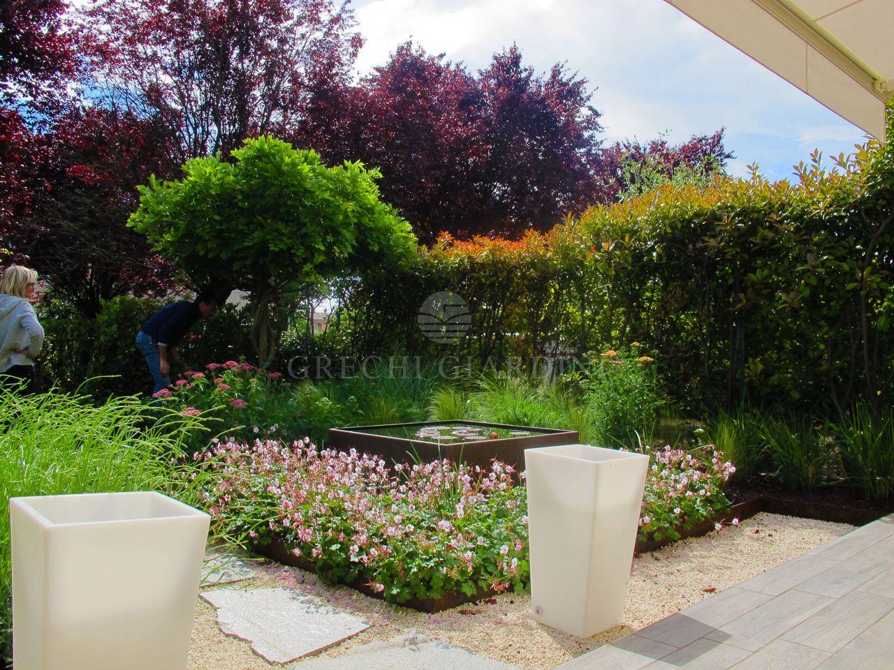 Giardini villette simple giardini villette with giardini for Giardini villette
